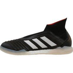 Adidas Performance PREDATOR TANGO 18+ IN Halówki black/white/solred. Czarne buty skate męskie adidas Performance, z materiału, do piłki nożnej. W wyprzedaży za 382,05 zł.