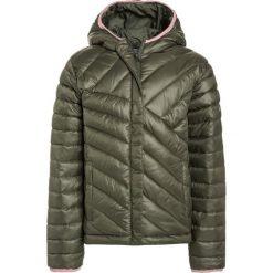 Columbia POWDER LITE PUFFER Kurtka Outdoor cypress. Różowe kurtki dziewczęce sportowe marki Columbia. W wyprzedaży za 161,85 zł.