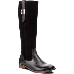 Oficerki NESSI - 53704 Czarny W. Czarne buty zimowe damskie marki Nessi, z materiału, na obcasie. W wyprzedaży za 309,00 zł.