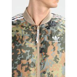 Adidas Originals Kurtka Bomber hemp/multco. Zielone kurtki męskie bomber adidas Originals, m, z materiału. W wyprzedaży za 545,35 zł.