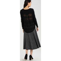 Swetry klasyczne damskie: Kaporal VAZA Sweter black