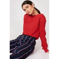 NA-KD Basic Sweter z głębokim dekoltem z tyłu - Red. Różowe swetry klasyczne damskie marki NA-KD Basic, z bawełny. Za 80,95 zł.