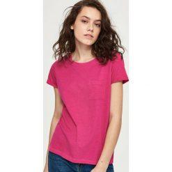 T-shirt z kieszenią - Różowy. Czerwone t-shirty damskie Sinsay, l. Za 14,99 zł.