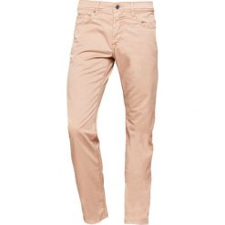 Baldessarini JACK Jeansy Straight Leg beige. Brązowe jeansy męskie marki Baldessarini. W wyprzedaży za 349,30 zł.