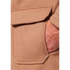 Pier One Krótki płaszcz camel. Brązowe płaszcze wełniane męskie marki Pier One, m. Za 399,00 zł.