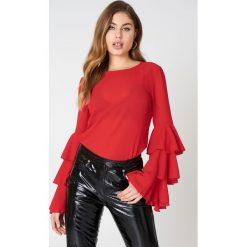 Bluzki asymetryczne: NA-KD Boho Bluzka z trójwarstwową falbanką - Red
