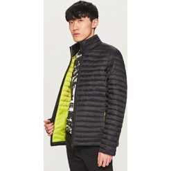 Pikowana kurtka ze stójką - Czarny. Czarne kurtki damskie pikowane marki Reserved, l. Za 259,99 zł.