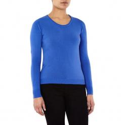 Sweter w kolorze niebieskim. Niebieskie swetry klasyczne damskie marki William de Faye, z kaszmiru, z okrągłym kołnierzem. W wyprzedaży za 90,95 zł.
