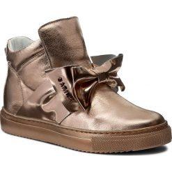 Sneakersy CARINII - B3834 J27-J26-000-B67. Czarne sneakersy damskie marki Carinii, z materiału, z okrągłym noskiem, na obcasie. W wyprzedaży za 259,00 zł.
