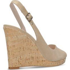 Czółenka AURORA. Brązowe buty ślubne damskie marki Gino Rossi, w paski, z nubiku, na wysokim obcasie, na platformie. Za 219,90 zł.