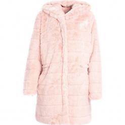 Różowy Płaszcz Bewitching. Czerwone płaszcze damskie zimowe marki Cropp, l. Za 159,99 zł.