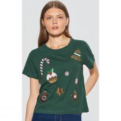 Świąteczna koszulka - Khaki. Brązowe t-shirty damskie marki Cropp, l. Za 49,99 zł.