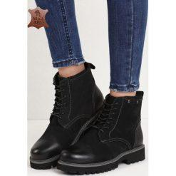 Czarne Skórzane Traperki Lubricious. Czarne buty zimowe damskie marki Born2be, z materiału, z okrągłym noskiem, na obcasie, na sznurówki. Za 129,99 zł.