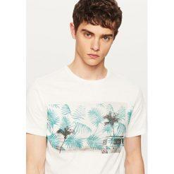 T-shirty męskie z nadrukiem: T-shirt z roślinnym nadrukiem – Kremowy