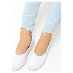 Buty ślubne damskie: Białe Tenisówki na Koturnie Query