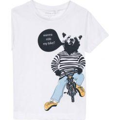 Name it - T-shirt dziecięcy 92-128 cm. Szare t-shirty chłopięce z nadrukiem marki Name it, z bawełny, z okrągłym kołnierzem. W wyprzedaży za 24,90 zł.