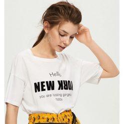 T-shirty damskie: T-shirt z nadrukiem new york – Biały