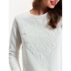 Bluzy damskie: BLUZA DAMSKA BIAŁA Z HAFTEM