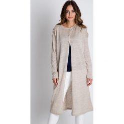 Swetry rozpinane damskie: Długi sweter w kolorze ecru BIALCON