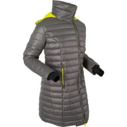 Długa kurtka outdoorowa z kapturem, z workiem bonprix szaro-zielona limonka. Niebieskie kurtki damskie marki bonprix, z nadrukiem. Za 139,99 zł.