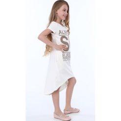Sukienka dziewczęca z napisami kremowa NDZ8247. Szare sukienki dziewczęce marki Fasardi. Za 59,00 zł.