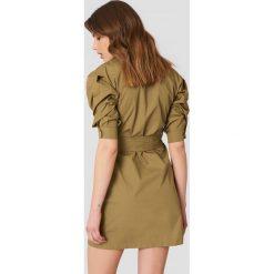 Trendyol Sukienka z bufkami - Green. Szare sukienki na komunię marki Trendyol, na co dzień, z elastanu, casualowe, midi, dopasowane. Za 161,95 zł.