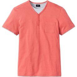 T-shirt w optyce 2 w 1 Regular Fit bonprix koralowy. Fioletowe t-shirty męskie marki KIPSTA, m, z elastanu, z długim rękawem, na fitness i siłownię. Za 19,99 zł.