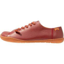 Camper PEU CAMI Sznurowane obuwie sportowe dark red. Czerwone buty sportowe damskie Camper, z materiału. Za 479,00 zł.