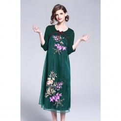 Sukienka w kolorze zielonym. Zielone sukienki marki Zeraco, z okrągłym kołnierzem, midi. W wyprzedaży za 379,95 zł.