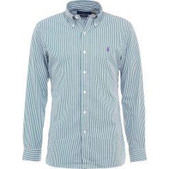 Polo Ralph Lauren SLIM FIT Koszula green/white. Szare koszule męskie slim marki Polo Ralph Lauren, l, z bawełny, button down, z długim rękawem. Za 509,00 zł.