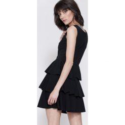 Sukienki hiszpanki: Czarna Sukienka Hot Touch