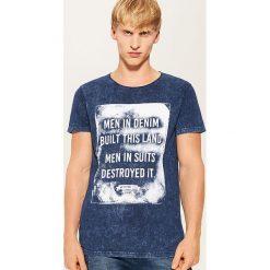 T-shirt z nadrukiem - Niebieski. Niebieskie t-shirty męskie z nadrukiem marki House, l. Za 49,99 zł.