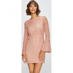 Answear - Sukienka. Różowe sukienki koronkowe ANSWEAR, na co dzień, l, casualowe, z okrągłym kołnierzem, mini, dopasowane. W wyprzedaży za 129,90 zł.