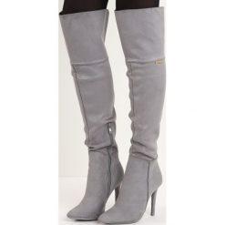 Jasnoszare Kozaki Soren. Czarne buty zimowe damskie marki Kazar, ze skóry, przed kolano, na wysokim obcasie, na obcasie. Za 144,99 zł.