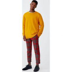 Sweter basic z okrągłym dekoltem. Szare swetry klasyczne męskie Pull&Bear, m, z okrągłym kołnierzem. Za 69,90 zł.