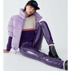 Futrzany sweter z kolorowymi panelami. Szare swetry klasyczne damskie Pull&Bear, z futra. Za 89,90 zł.