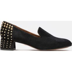 Czarne czółenka damskie. Czarne buty ślubne damskie Kazar, ze skóry, na wysokim obcasie, na obcasie. Za 499,00 zł.