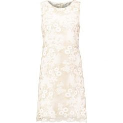 Sukienki hiszpanki: Young Couture by Barbara Schwarzer Sukienka koktajlowa vanille