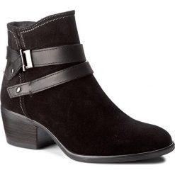 Botki TAMARIS - 1-25010-29 Black Uni 007. Czarne buty zimowe damskie Tamaris, ze skóry ekologicznej, na obcasie. W wyprzedaży za 199,00 zł.