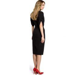 TOYA Sukienka midi kimonowe rękawy z zakładkami - czarna. Czarne sukienki na komunię Moe, midi, dopasowane. Za 136,99 zł.