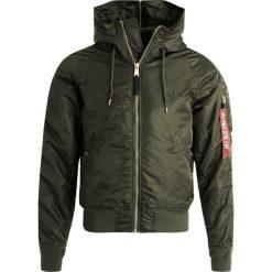 Alpha Industries Kurtka zimowa dark green gold. Czarne kurtki męskie zimowe marki Alpha Industries, m, z aplikacjami. Za 839,00 zł.