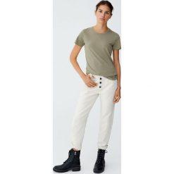Koszulka basic z szerokim obszyciem. Niebieskie t-shirty damskie marki Pull&Bear. Za 29,90 zł.