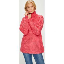 Trendyol - Sweter. Różowe golfy damskie marki Trendyol, m, z dzianiny, z krótkim rękawem. W wyprzedaży za 79,90 zł.