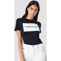 T-shirty damskie: Calvin Klein T-shirt Institutional Box Logo Regular Fit - Black
