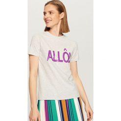 T-shirty damskie: T-shirt z dwustronnymi cekinami – Jasny szar