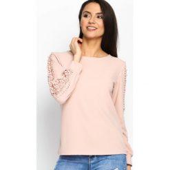 Różowa Bluzka Lace Strap. Szare bluzki koronkowe marki Sinsay, l, z dekoltem na plecach. Za 59,99 zł.