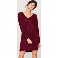 Swetrowa sukienka oversize - Bordowy. Czerwone sukienki marki Mohito, z bawełny. Za 129,99 zł.