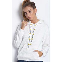 Biała Bluza Behind Me. Białe bluzy z kapturem damskie Born2be, xl, z dresówki. Za 39,99 zł.