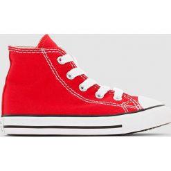 Wysokie trampki Chuck Taylor All Star Hi Canvas. Czerwone buty sportowe chłopięce marki Converse, z kauczuku, na sznurówki. Za 230,96 zł.