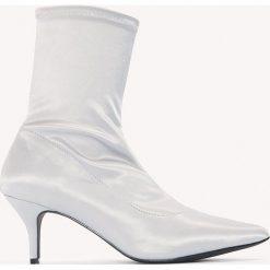 Botki damskie lity: NA-KD Shoes Satynowe botki z miękką cholewką - Grey,Silver